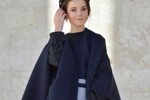 Как модно носить пончо?
