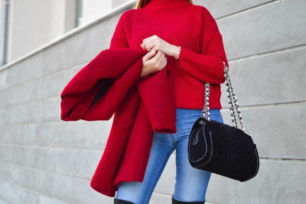 Как носить красный цвет в Москве